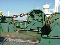 windlass / mooring winch fwd and chain stopper